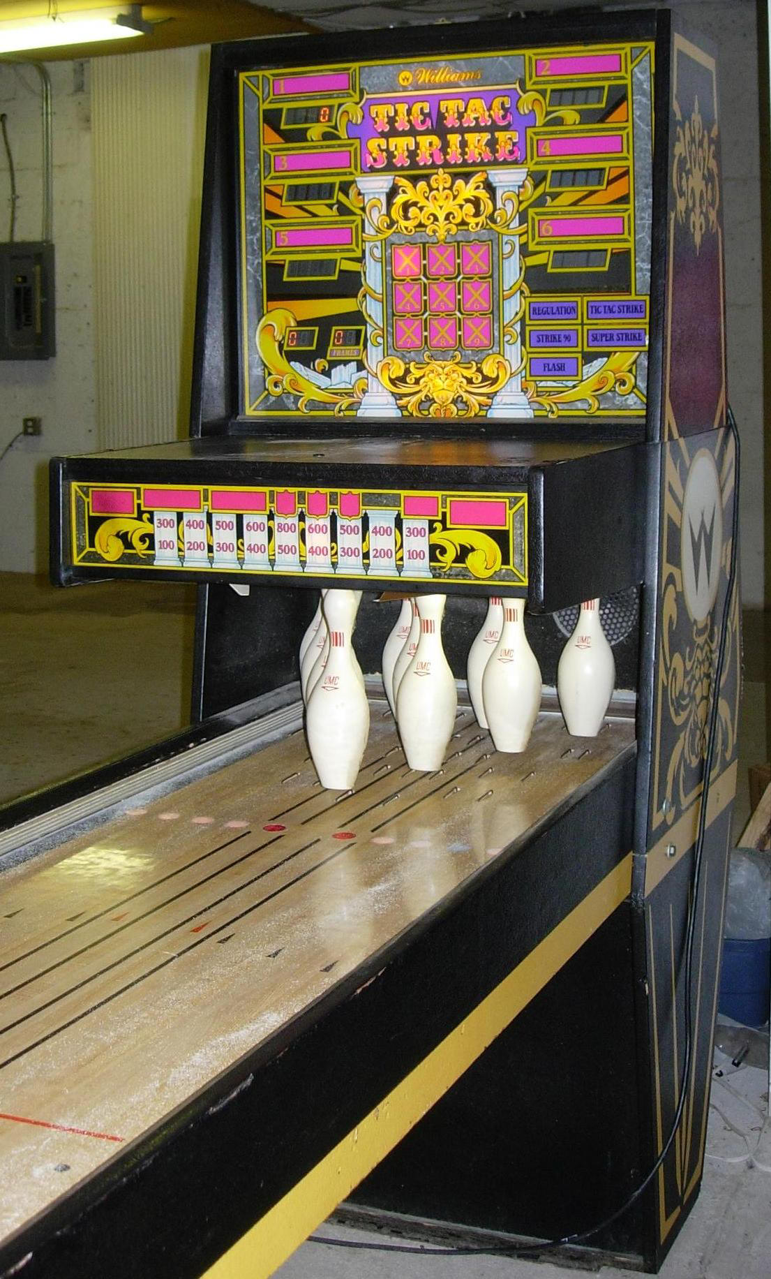 Tic Tac Strike Bowling Machine Main